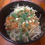 泰緬紹子乾麵-絞肉/蕃茄/洋蔥/豆芽菜;