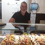 Il titolare Francesco fratello del titolare pasticceria Miledy famosa per l'alta qualità dei dolci la qualità per cultura