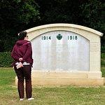 memorial en el interior del cementerio