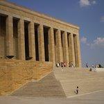 vista exterior del Mausoleo Ataturk