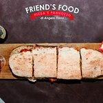 🍔 Da Friend's Food un mondo di #panuozzi… 🍔  ➡ Per una serata ricca di #sapore 🤤 vieni a comporre il tuo fantastico #panuozzo con tutti gli #ingredienti che desideri 🤩 e dopo gustalo insieme ai tuoi #amici! 👍