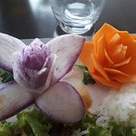 décoration florale faite à base de légumes divers
