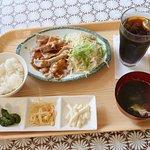 豚カルビ焼肉定食