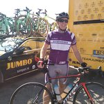 Start of the Vuelta! Jumbo Visma (for us Dutchies) is our favorite.