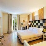 Foto de iH Hotels Forte dei Marmi Logos