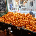 Love all the oranges!