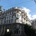 Жилой дом 3-го Петроградского товарищества собственников квартир, Каменноостровский проспект, 73-75, август.