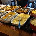 Ótimo buffet de almoço (Great lunch buffet)🍽