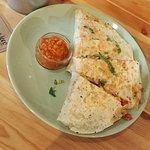 quesadilla wege z sosem orzechowym