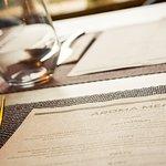 Menu w naszej restauracji przygotowywane jest ze świeżych i wysokiej jakości produktów.