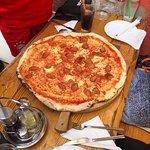 große Pizza Salami