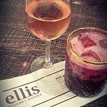 een wijntje of cocktails