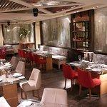 En la segunda planta se encuentra nuestro restaurant modernidad&sencillez unidas en un mismo esp
