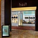 ภาพถ่ายของ basil