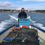 Mise à l'eau de jeune huitres pour un affinage en poches flottantes pour la dégustation Le Cercle des huîtres