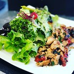 Unser leckerer Salat mit Putenstreifen