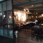 Mama San Restaurant & Bar照片