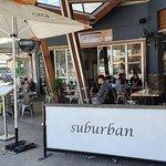 Suburban West End照片