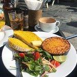 ภาพถ่ายของ Charlie's Cafe Restaurant & Online Deli