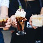 Ledové kávy našich baristů jsou vyhlášené široko daleko.