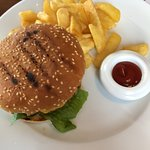 Hamburger med chips