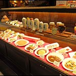 ตัวอย่างอาหารที่แสดงไว้หน้าร้าน