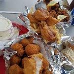صورة فوتوغرافية لـ Red's Eats