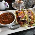 Symposium Cafe Restaurant & Lounge照片