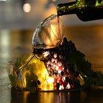Conoces la Château Cheval-Blanc de 1947, se trata de uno de los mejores Burdeos de la historia; no solo por su excelente calidad si no por su longevidad.  Su botella tamaño imperial fue vendida en EU$ 224,598. Este vino puede ser degustado sin problema alguno dentro de 20 años y se disfrutará de su exquisitez.  Cada vino tiene su historia, conoce la nuestra y degusta nuestros vinos tropicales. #OcoaBay #OcoaVineyard #vinos #wine #DominicanRepublicWine #goDominicanRepublic #taste