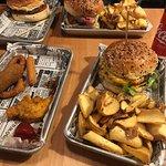 Burgers et assiette à partager