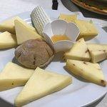 Antipasto di formaggi misti