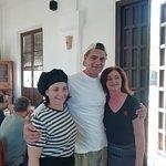Fran Cuesta y su equipo de grabación, hoy en Doñana y almuerzo en Casa Matias. Todo un Caballero por su infinita paciencia. Gracias Fran de la Jungla.