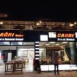 Cadde Grill House resmi