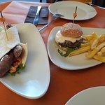Taco malagueño y mini hamburguesa... original