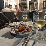 Zdjęcie Vruja Restaurant