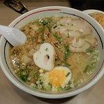 極味ワンタン麺