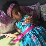 Η κόρη μου ξετρελαμενη με τα ολόφρεσκα χειροποίητα brioches !!
