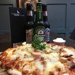 Mon - Thurs Pizza deal: any pizza and 3 bottles of beer €20.  Just add €2 for Goose Meat Feast