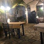 Zdjęcie Alexander's Garden Restaurant