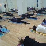 Pilates con aro Pilates mit Reifen
