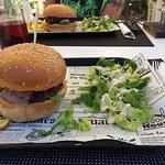 Φωτογραφία: Juicy Burger