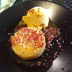 Coulant de chocolate blanco con helado de mango (para mi gusto, estaba más rico éste con el hela
