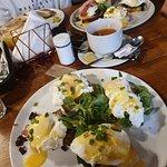Śniadanie nr 8, śniadanie nr 17