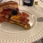 deep dish pizza de peperone