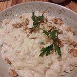 Buen risotto con pero, gorgonzola y nueces