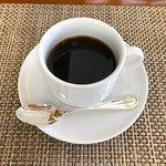 ホットコーヒーはサーブしてもらえます。