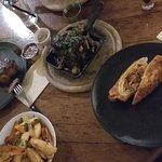 Стейк синта, грибы в соевом соусе, энчелада и смесь жаренных картошки и батата