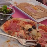 The tasteless crepe and so-so pizza