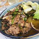 Sałatka z grilowaną wołowiną (OSTRAAA)