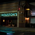 Fotografija – Houston's Restaurant